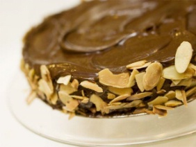 FLOURLESS CHOCOLATE ALMOND CAKE WITH OLIVE OIL