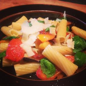 MARCELLA HAZAN'S RIGATONI WITH SWEET PEPPER, GARLIC AND BASIL
