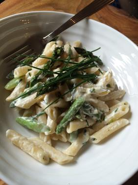 PENNE WITH ASPARAGUS AND GOAT CHEESE