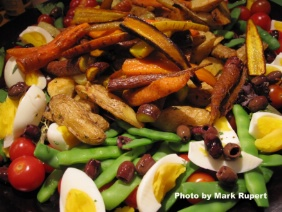 SALAD NICOISE WITH ROASTED CARROTS