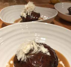 STICKY TOFFEE PUDDING CAKE WITH BUTTERSCOTCH SAUCE