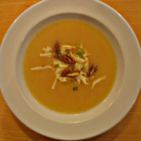 LES FOUGERES' CAULIFLOWER SOUP WITH CHEDDAR