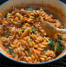 ONE POT PASTA WITH ITALIAN SAUSAGE BOLOGNESE