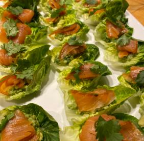LITTLE GEM CUPS WITH GUACAMOLE AND SMOKED SALMON