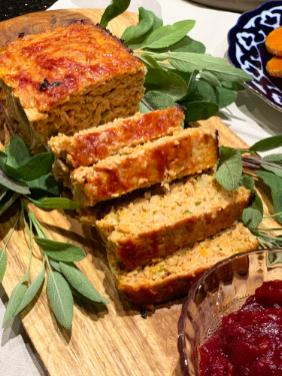 THANKSGIVING MEATLOAF WITH SWEET AND SPICY CRANBERRY SAUCE
